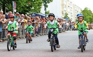Mit Mini- und Laufrädern sind die Jüngsten beim Fette-Reifen-Rennen zu Pfingsten in Forst gestartet. Foto: Margit Jahn/mjn1