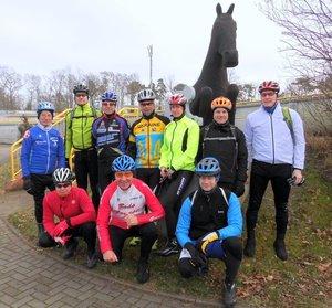 Die Mannschaft am Start (Bild: 1/28)