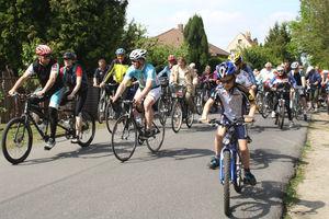 Anradeln 2014 - Start sportliche Strecken (Bild: 8/22)