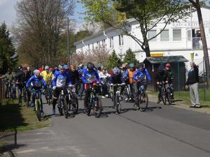 am Start für die 16 und 21 km (Bild: 4/24)